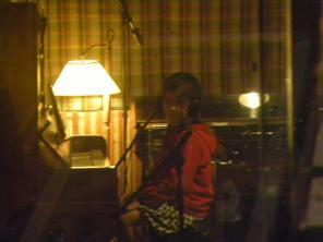 """Lucía Gianolini, intérprete del CD """"Taller Musichicos en el Estudio de Grabación"""""""